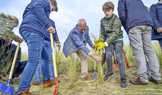 'In 1976 zijn we bijna verzopen' - Texelse zanddijk officieel geopend
