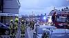 Schoorsteenbrand in woning in Petten, brandweer moet dak openmaken om brand te blussen