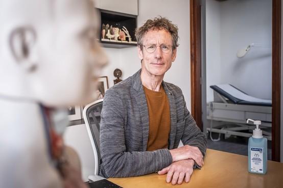 Waar zijn patiënten gebleven? Huisartsen in regio Alkmaar zien dip in consulten door coronacrisis. 'Indruk dan mensen ons mijden omdat ze bang zijn voor besmetting'