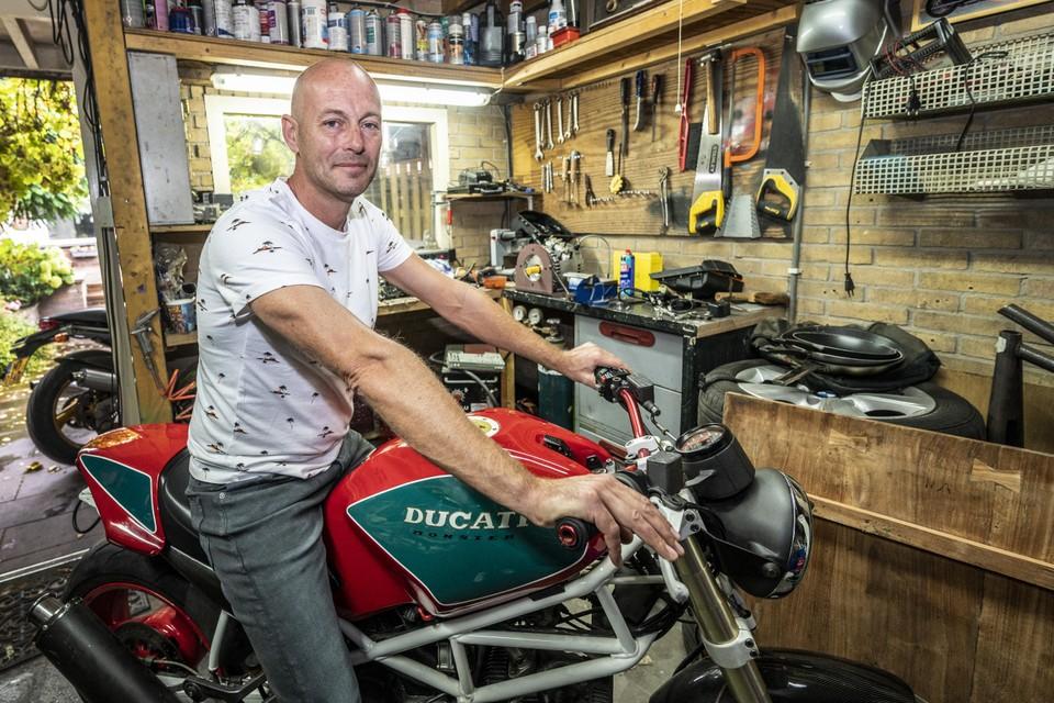 De Ducati Monster van Berry van den Raadt is weer terecht.