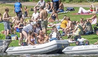 Stilte! Uit die muziek, op het water in Alkmaar en op het Bolwerk. Het college beveelt absolute stilte van acht tot acht