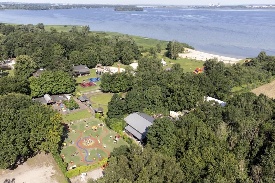 Speelpark Oud Valkeveen aan de kust van het Gooimeer.