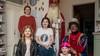 Tranen bij verrassingsbezoek Sinterklaas aan mensen die een steuntje verdienen. Zoals Anne (12), die na een aanrijding met een bus zestien keer werd geopereerd. 'Fantastisch dat jullie dit doen!'