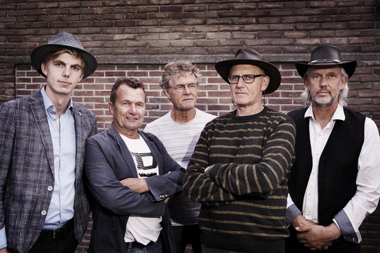 mAeS akoestisch in Oude Gemaal Heerhugowaard: 'Stekkerloos is een hele klus'