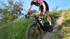 Ze rijdt dezelfde wedstrijden als Mathieu van der Poel. 'Niet nadenken en gewoon gaan' stelt Akersloots talent Romana Carfora over de World Cup mountainbiken