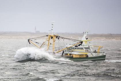 Visserij is bezorgd over nieuwe ramp met overboord geslagen containers bij Waddeneilanden: 'Een groot gevaar voor kotters'