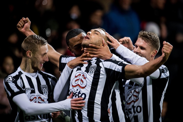 Ajax verliest ook van Heracles Almelo