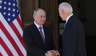Poetin noemt eerste top met Biden constructief