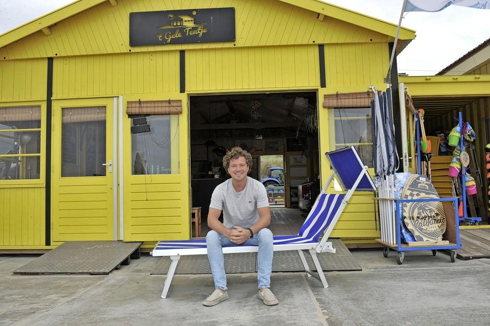 Rob Fijen op een van de knappe bedjes voor 't Gele Tentje.