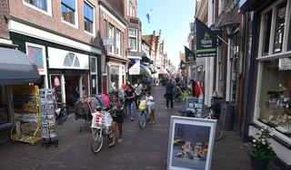 Fractie mist beleid: 'Geen Airbnb om leegstand winkelgebied Enkhuizen op te vullen'