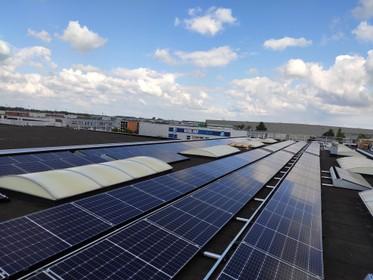 Zonnepanelen en led-verlichting zorgen voor een rooskleurige toekomst op bedrijventerreinen Westfrisia en De Oude Veiling