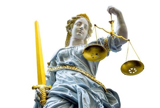 OM: Twee jaar cel voor bezit van omgebouwde gaspistolen in Haarlem en doodsbedreiging