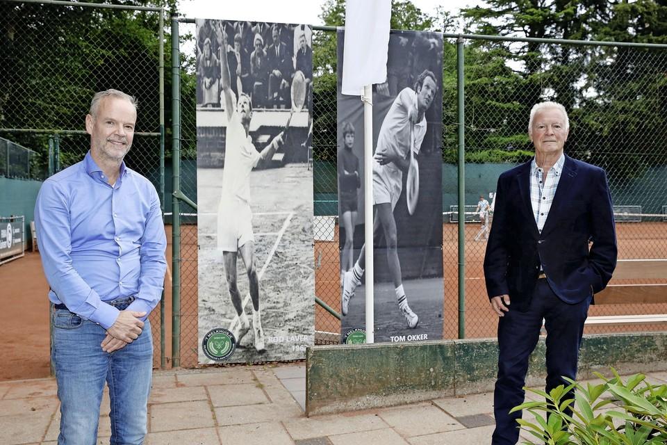 Jean-Paul Duurland en Hans Back, met op de achtergrond Rod Laver en Tom Okker.
