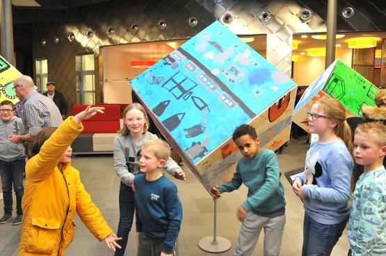 'In 2040 is iedereen gelukkig' - Kinderen en raadsleden in Heemskerk kijken vooruit