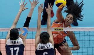 Tuitjenhornse volleybalinternational Celeste Plak last pauze in topsportbestaan in. 'Ik ben de gretigheid naar de bal kwijt, en dat is niet goed' [video]