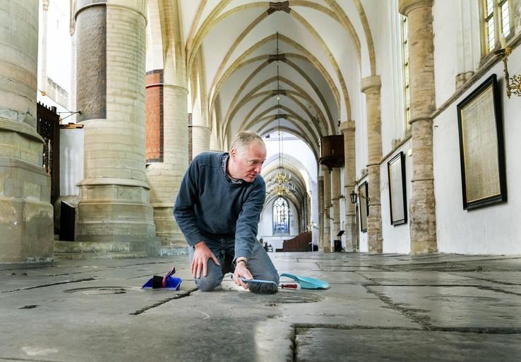 Tijd om Grote Kerk Haarlem nu eens flink te poetsen [video]