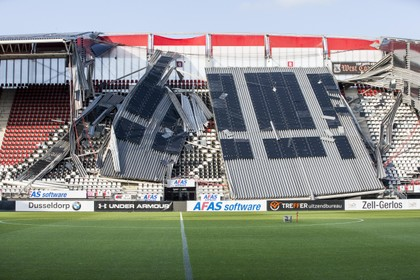Commentaar: Burgemeester garandeerde veiligheid van stadion, met zijn ogen dicht