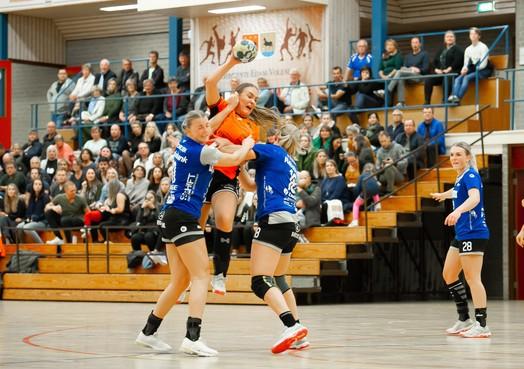 Handbal Venlo legt Volendamse problemen met omschakelen bloot