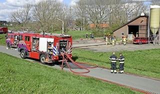 Brand in een schuur in Assendelft; asbestverdacht materiaal gevonden