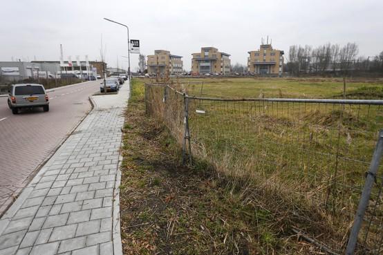 Aangepast plan voor miniwijkje Weesperwerf na deining over mogelijke hinder; groene wand ontneemt zicht op bedrijventerrein