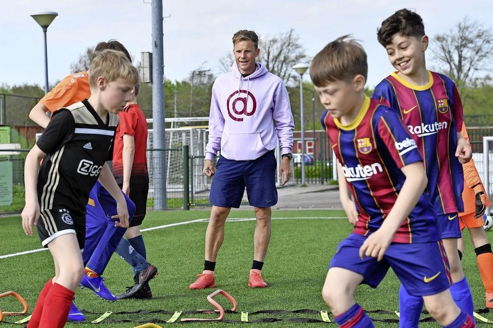 Yuri Cornelisse geeft nu onder andere training aan de jeugd van HSV.