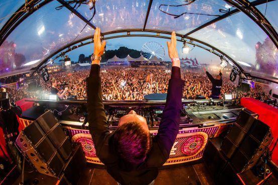 DJ Sefa uit Castricum nieuwe ster op hardcore festivals, maar hij woont nog gewoon bij zijn oma [video]