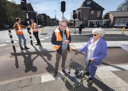 Vernieuwde kruising Zaanenlaan-Rijksstraatweg in Haarlem wordt snel rollatorproof