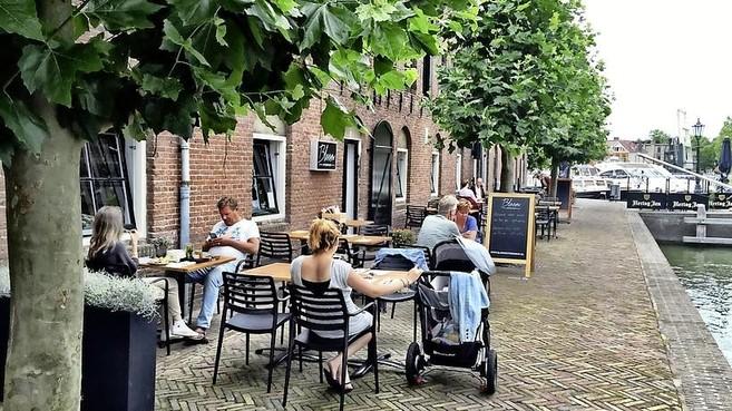 Weesper politiek voelt wel voor limiet aan aantal terrassen in de binnenstad, zonder ingrijpen mogen er maar liefst 61 komen