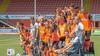 FC Volendam presenteert nieuwe tenues, maar jonge fans mogen vanwege coronarichtlijnen niet met hun idolen op de foto