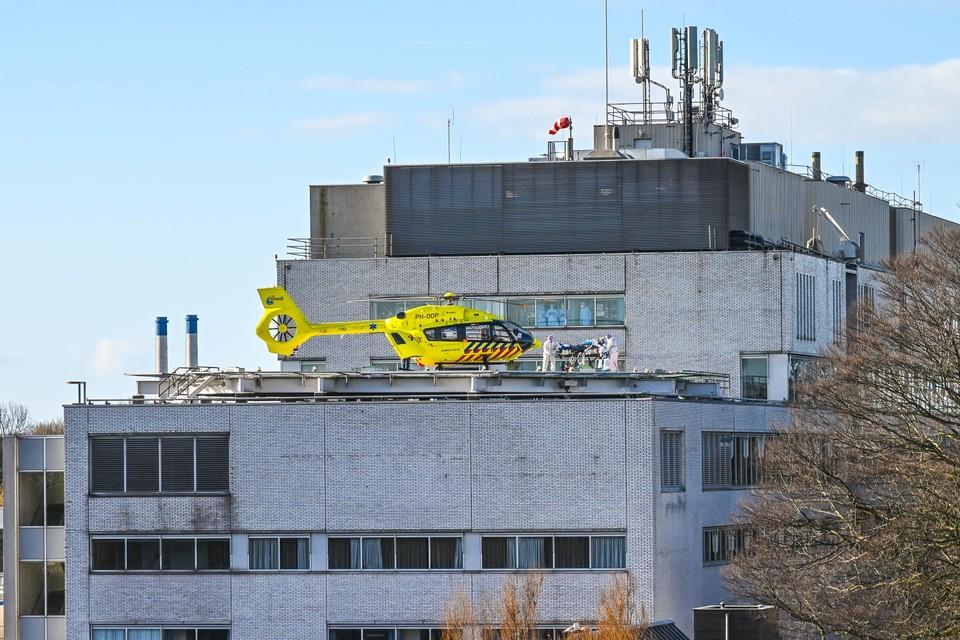 In maart dit jaar landde regelmatig de Lifeliner 5 op het Rode Kruis Ziekenhuis om een coronapatiënt op te halen. Omdat de coronacijfers blijven dalen, kunnen de maatregelen worden afgeschaald.