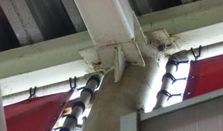 Constructie van het dak deugde niet, toezicht door AZ en gemeente was onvoldoende. Onderzoeksraad legt zwakke plekken bloot