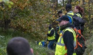 Veteranen en politie kammen duingebied tussen Bergen en Egmond uit, op zoek naar weggelopen Xiao Li [video]