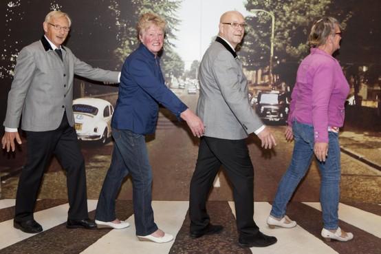 Gratis koffie in Beatlesmuseum voor iedereen die krantenpagina Abbey Road toont
