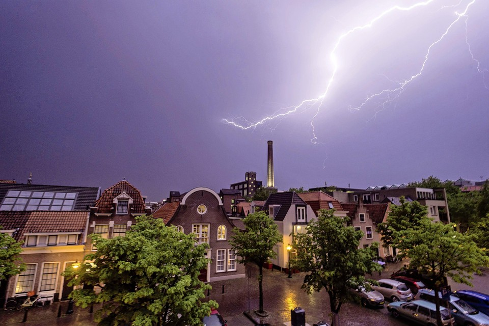 Onweer boven Leiden, foto ter illustratie.