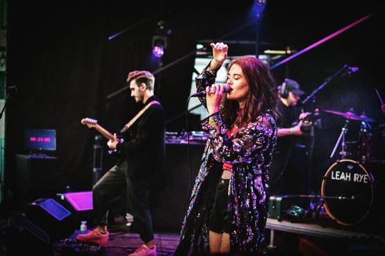 Lisa Rietveld geeft muziekles én optredens online