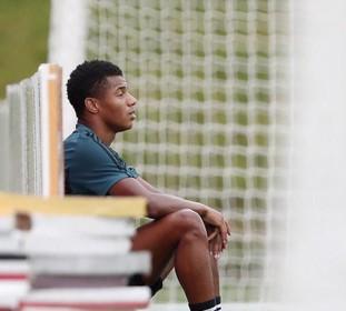 Ajacied Neres: de moeilijkste maanden in mijn carrière als voetballer