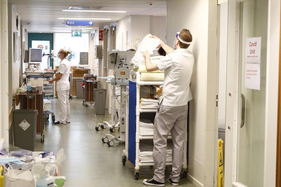De druk op het personeel in ziekenhuis Tergooi is groot.