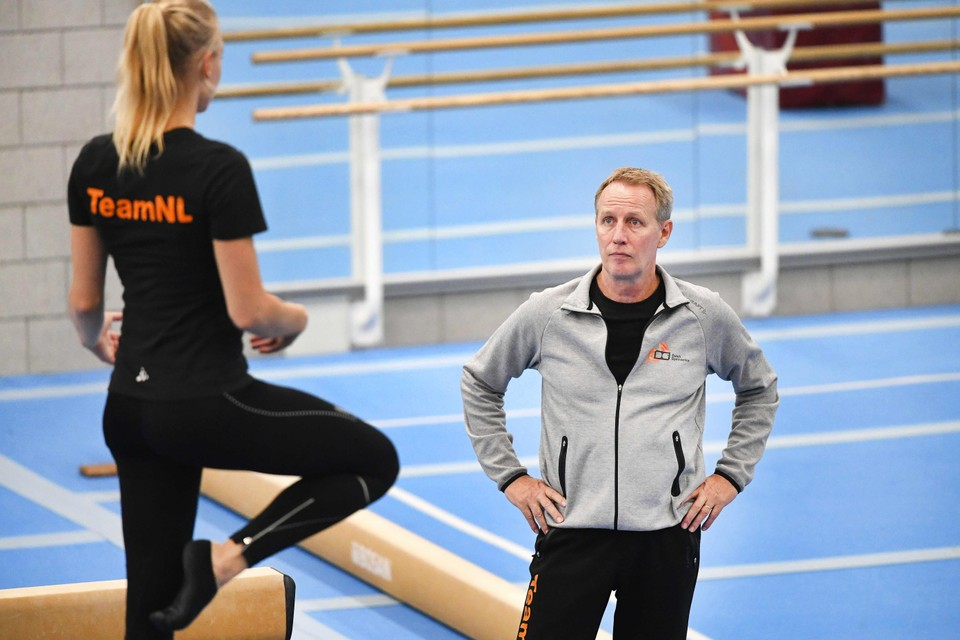 Vincent Wevers tijdens een training van de nationale vrouwenselectie.