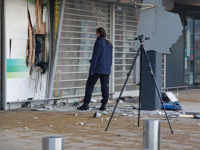Plofkraken in Alkmaar en Zaandam, veel schade