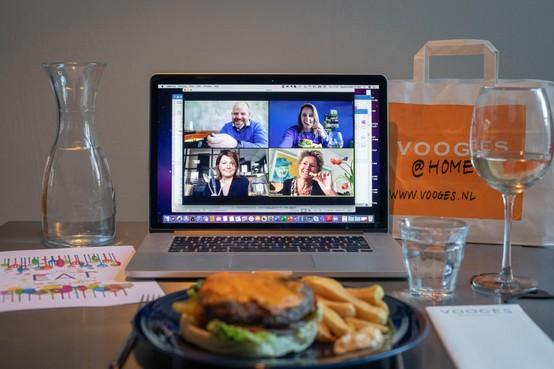 Haarlems initiatief Let's Eat apart together: Met elkaar uit eten, maar dan thuis