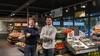 Broers Rick en Ron Hageman steken Spar Midwoud in een nieuw en modern jasje. 'Heel benieuwd of de klanten het net zo mooi vinden als wij' [video]
