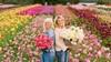 Bloeiende liefde voor de dahlia: Noordwijkerhoutse Marlies en Linda brengen boek over de kleurrijke dahlia uit