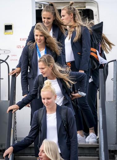 Leeuwinnen weer op Nederlandse bodem na WK vrouwenvoetbal in Frankrijk