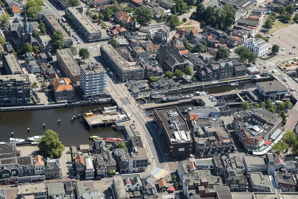 De Wilhelminasluis in het hart van Zaandam.