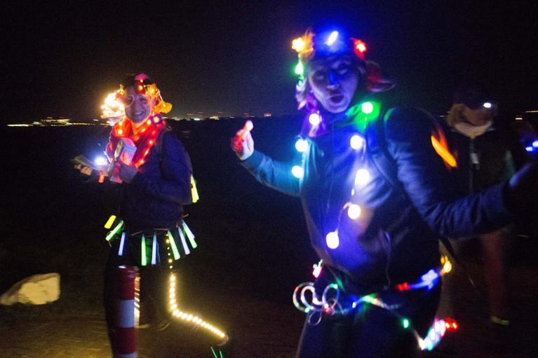 Vrijdag 28 februari trekt er een wandelend lichtsnoer door Schagen tijdens de eerste Lichtjesloop. 'Een prachtig gezicht.' De wandeling is volledig volgeboekt