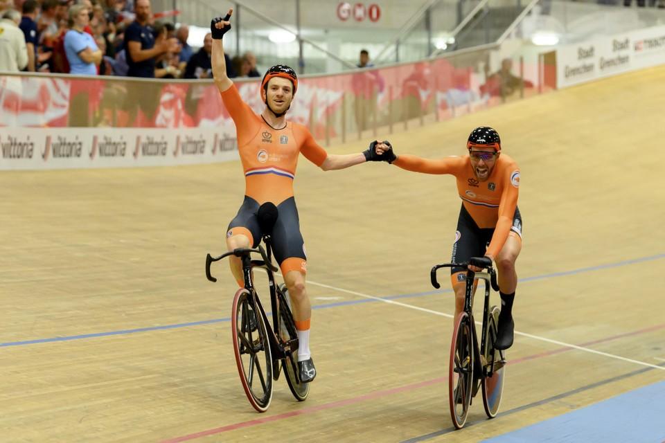 Yoeri Havik en Jan Willem Van Schip na hun gouden koppelkoers op het EK, zaterdagavond.