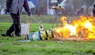 Verbod op carbidschieten in de IJmond aanstaande: krijgen we dan nu de 'klaphamer'?