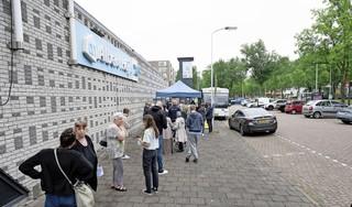 Vaccinatiescepsis in Volendam valt reuze mee: sommige Zaanse wijken lopen wel behoorlijk achter bij het gemiddelde