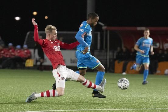 Pijnlijke avond voor FC Volendam, dat in slotminuten de winst laat glippen tegen Jong AZ