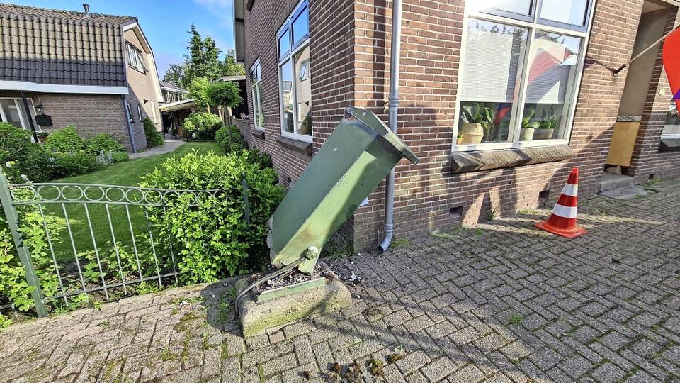 De omvergereden meterkast in Zijdewind.
